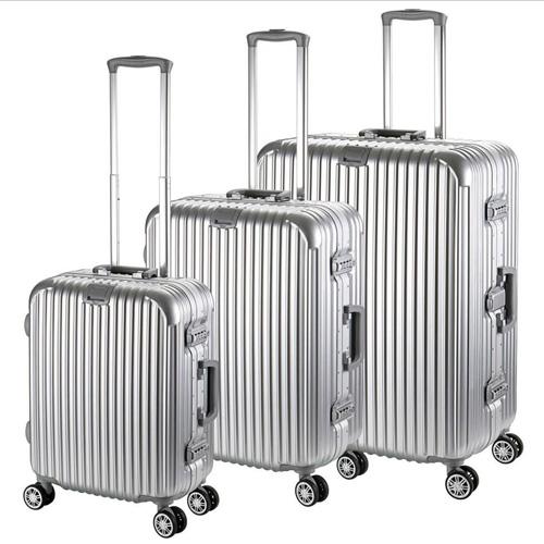 Hardside Rolling Spinner Suitcase