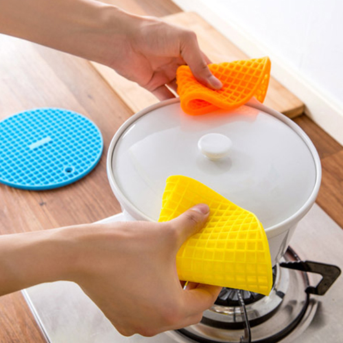 Round Shaped Heat Resistant Silicone Coaster Image 3
