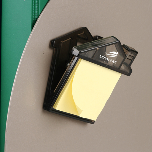 House Magnetic Memo Clip With Adhesive Notes Image 2