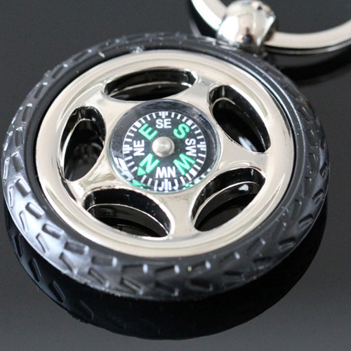 Creative Alloy Wheel Tyre Compass Keychain Image 2