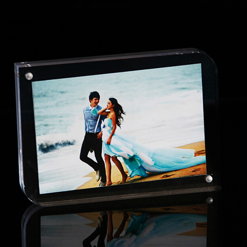 Clear Magnetic Photo Frame Image 1