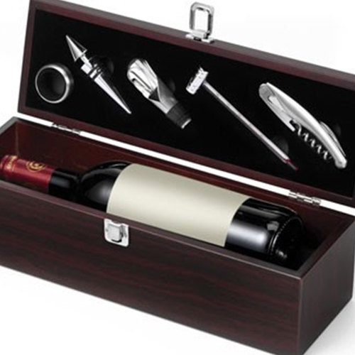 Wine Accessories Sets With Wooden Gift Box Image 2