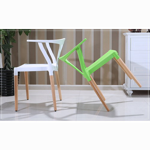 Wishbone Plastic Chair with Wooden Legs Image 5