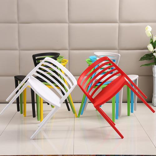 Contour Curvy Chair Image 1