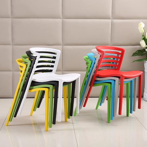 Contour Curvy Chair Image 3