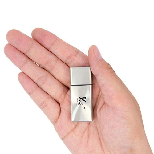 4GB Premium Metal Flash Drive Image 5