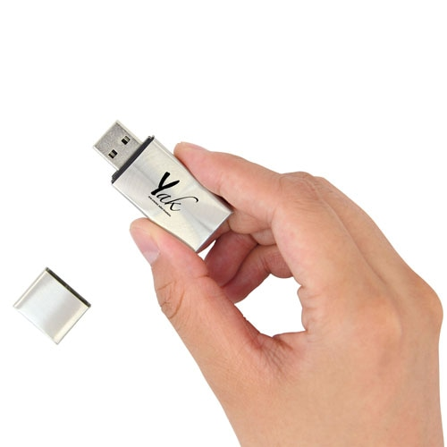 8GB Premium Metal Flash Drive Image 4