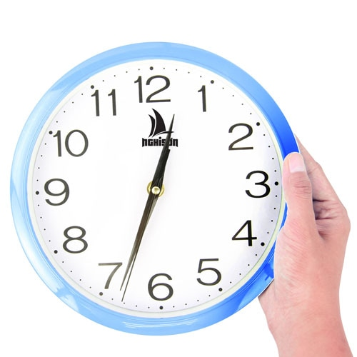 9 Inch Bright Circle Wall Clock Image 3