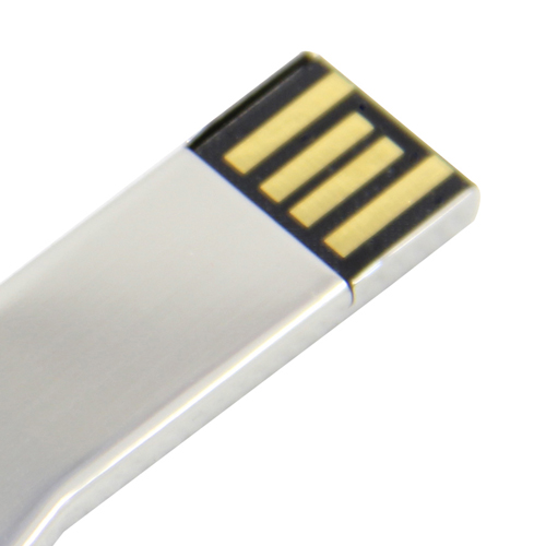 2GB Deluxe Key Shaped Flash Drive Image 4