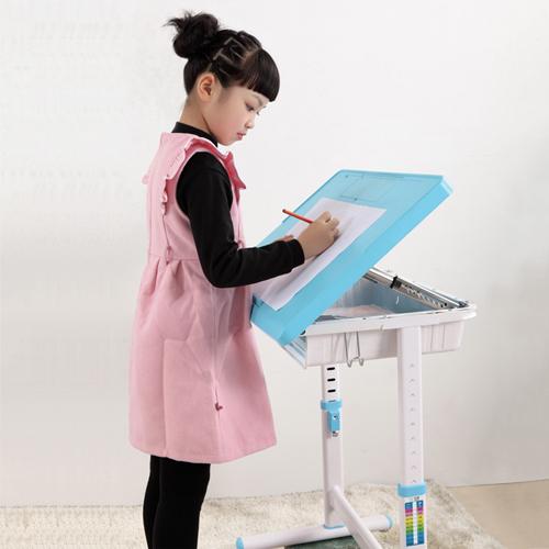 Ergonomic Kids Interactive Desk Set Image 10