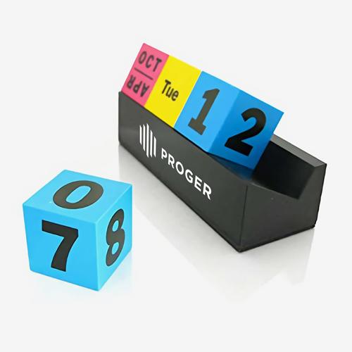 Cubes Perpetual Desk Calendar Image 5