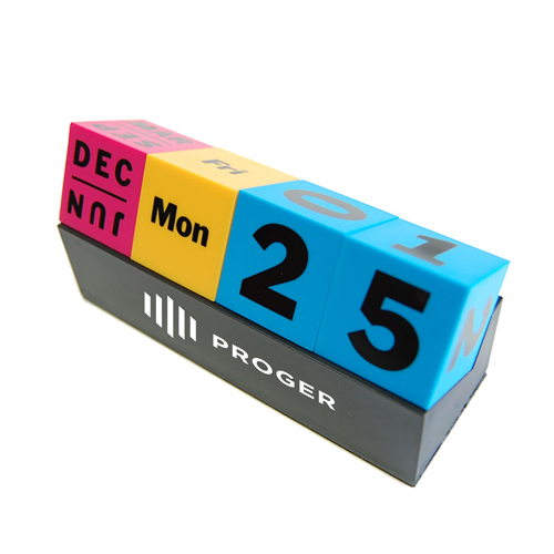 Cubes Perpetual Desk Calendar Image 7