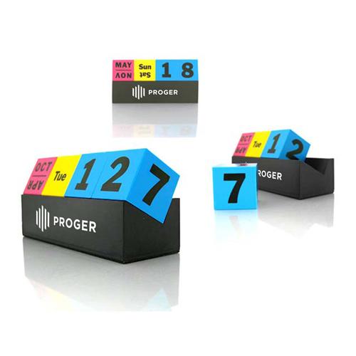 Cubes Perpetual Desk Calendar Image 8