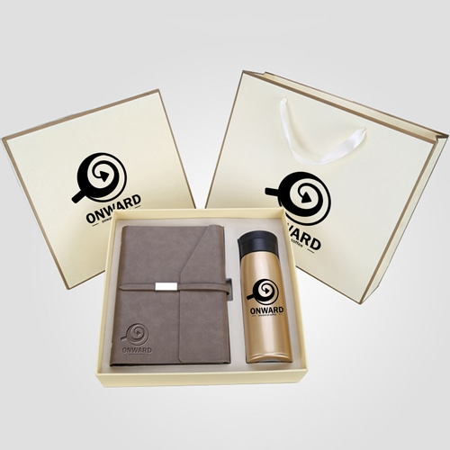 Business Notebook & Vaccum Bottle Gift Set Image 4