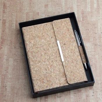 دفتر يوميات خشبي من الفلين مخصص حسب الطلب مع قلم