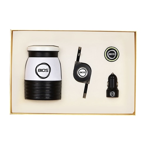 Car Charger & Phone Holder Gift Set with Vaccum Mug & Dual USB Cable Image 1