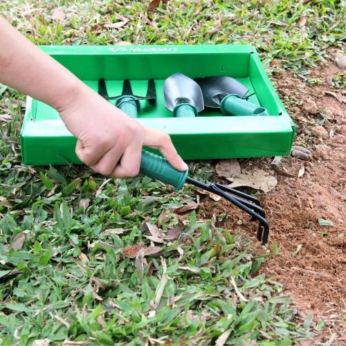 4 Piece Gardening Tool Set Image 3