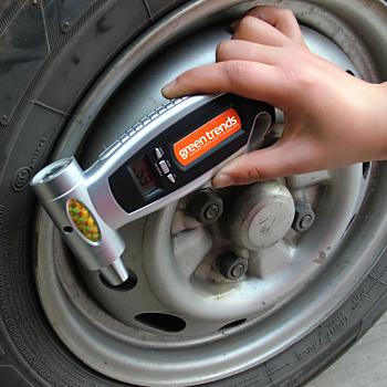 4-In-1 Digital Car Emergency Pressure Gauge