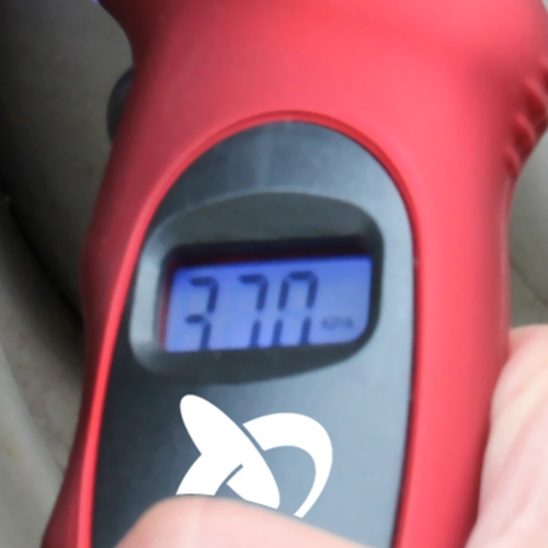 Digital Tire Gauge With Led Valve