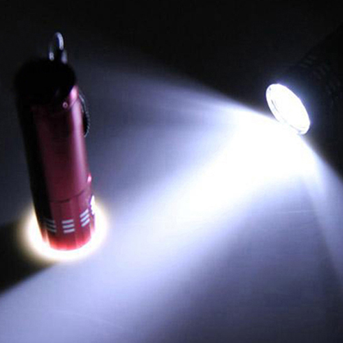 9 LED Aluminum Flashlight Image 4