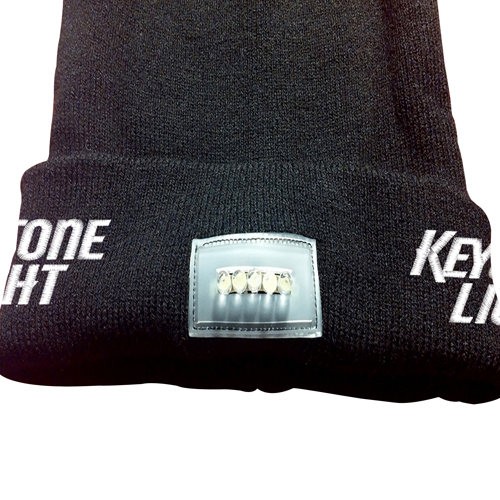 Knitted Beanie With Built-In Flashlight