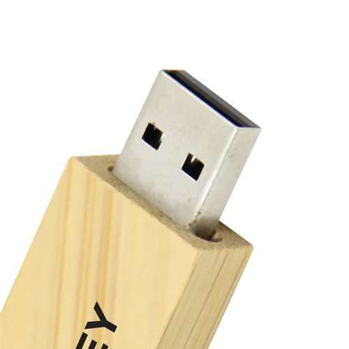 32GB Bamboo USB Flash Drive Image 6