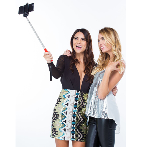 Extendable Selfie Stick with Bluetooth Remote Image 3