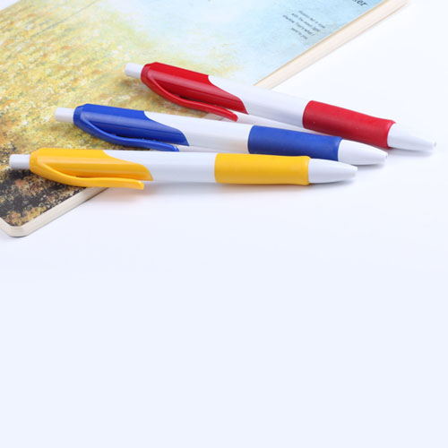 Retractable Ballpoint Pen With Comfortable Grip Image 4