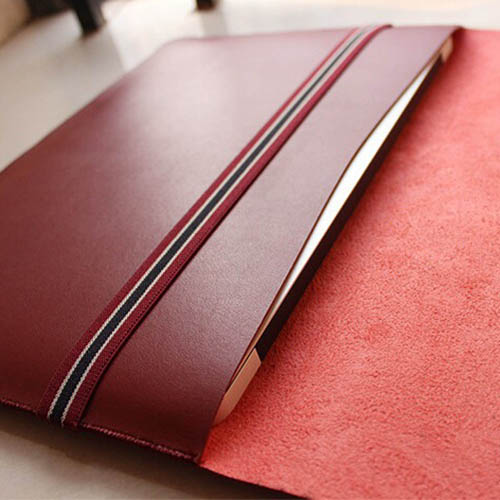 Leather Laptop Sleeve With Elastic Closure Image 5
